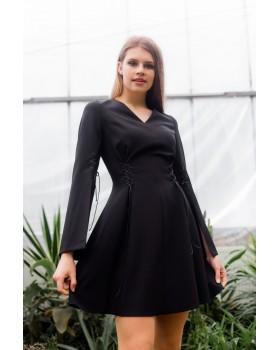 Сукня чорна декорована шнурівкою