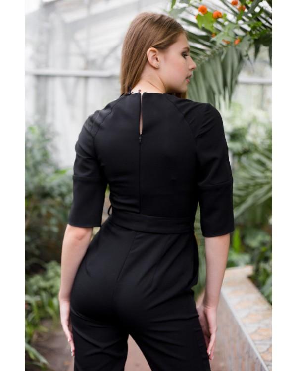 Комбінезон чорний з прямими брюками