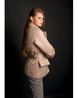 Куртка бежева з накладними кишенями