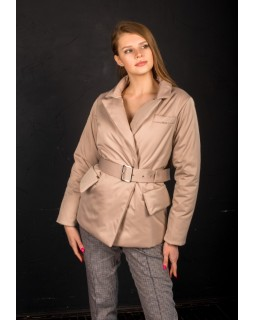 Куртка бежева з широким поясом