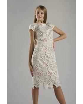 Сукня бежева декорована мереживом