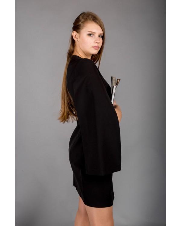 Сукня чорна з відлітними рукавами