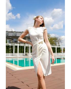 Сукня декорована мереживом